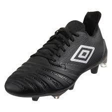 Umbro Accuro 3 Pro FG Firm-Ground Soccer Cleat Review